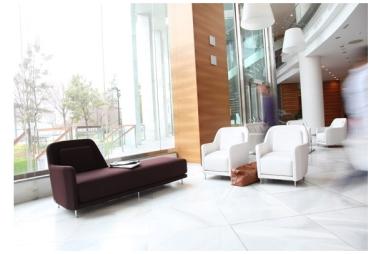 Caprichos de Hogar Salamanca decoracion interiorismo muebles tapizados sofas lolo butaca España tienda koo internacional(2)