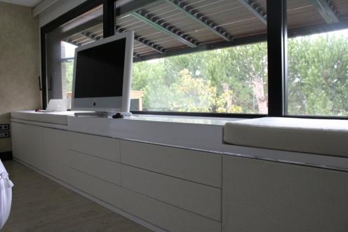 Caprichos de Hogar Decoración muebles a medida Salamanca Madrid España Cabo Verde proyectos papel pintado elitis decoradores interioristas aparador mueble tv elevable