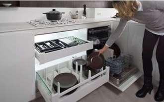 cocina Salamanca Caprichos de Hogar Delta puerta apertura coplanar cajones con organizadores para vajilla y cubertería
